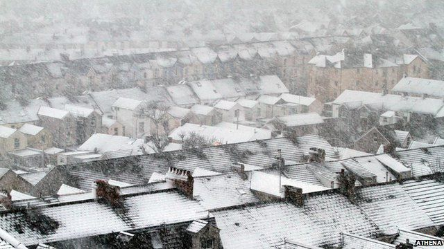 Snow on homes in Swansea