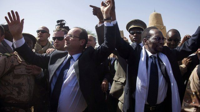 Francois Hollande and Mali's interim president Traore