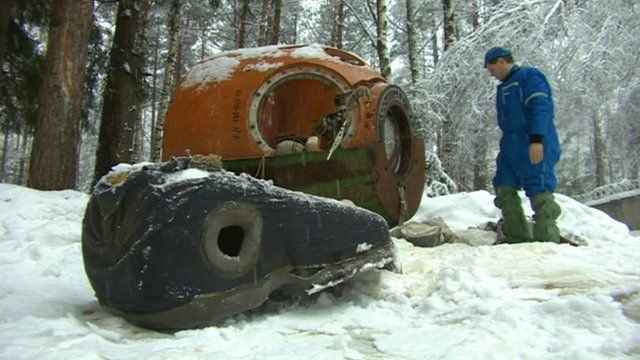 Aspiring cosmonauts take part in endurance test