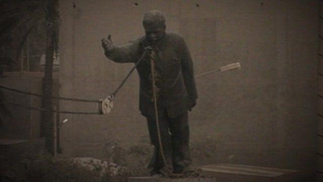 Fall of Saddam Hussein statue