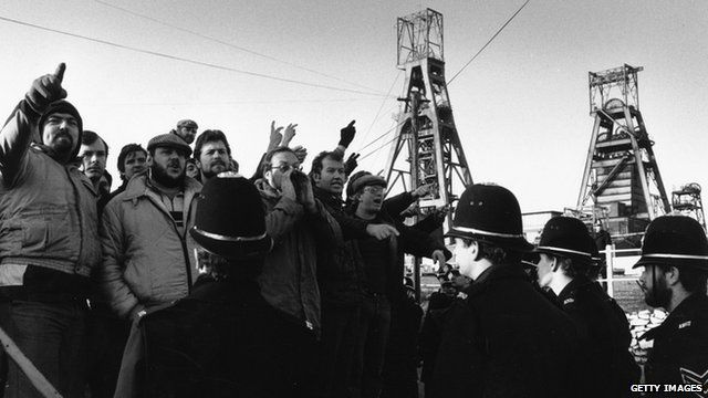 Striking miners in 1985
