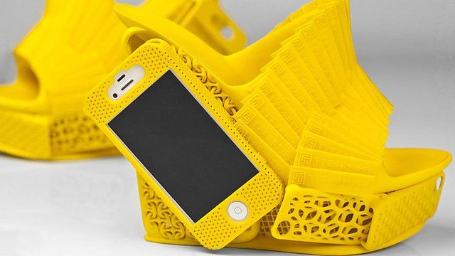 iPhone shoe