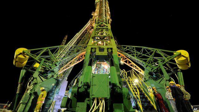 Soyuz-FG rocket booster with Soyuz TMA-09M space ship