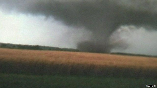 Tornado strikes Kentucky town of Adairville