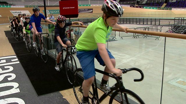 Children using new cycle track in Glasgow
