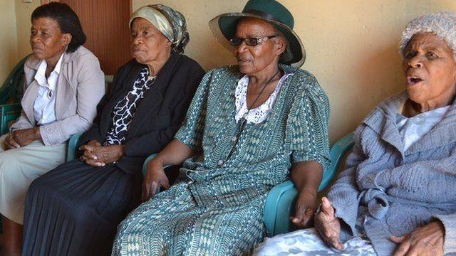 Mercy Ntshekisang (L), Jane Lekoko, Edith Mmusi (C) and Bakhane Moima