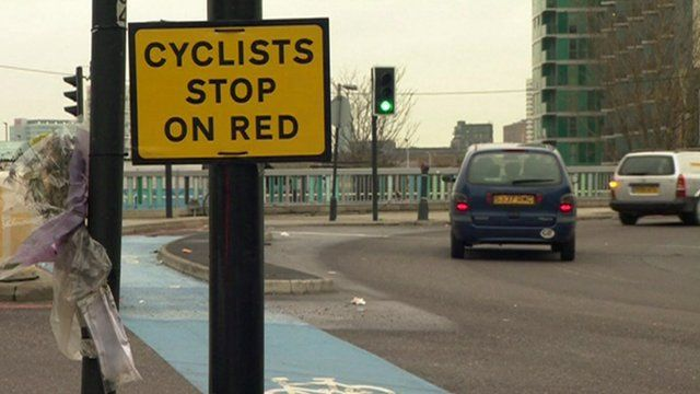 Stop sign for cyclists