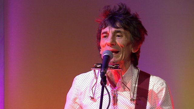 Ronnie Wood performing on The Andrew Marr Show