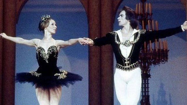 Natalia Makarova and Rudolf Nureyev dance the Black Swan Pas de Deux