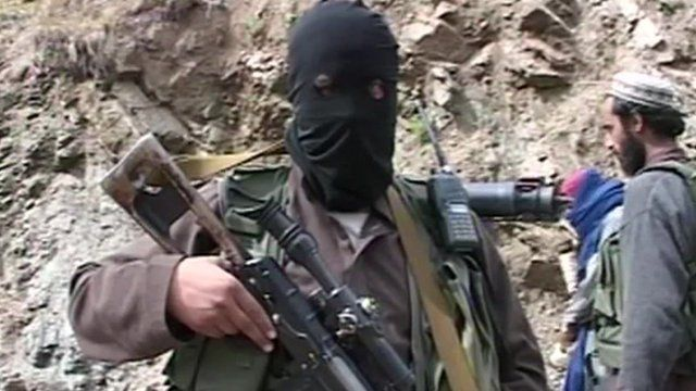 A masked Taliban gunman