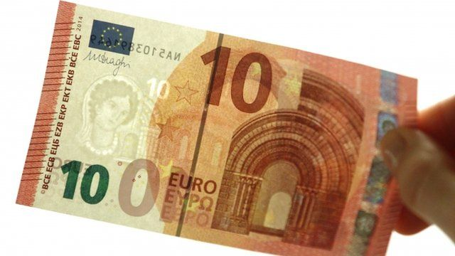 New 10-euro note showing portrait watermark, emerald number and hologram strip
