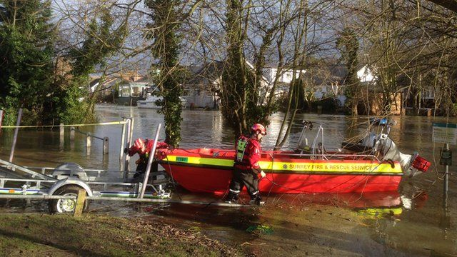 Surrey Fire and Rescue Services boat and staff