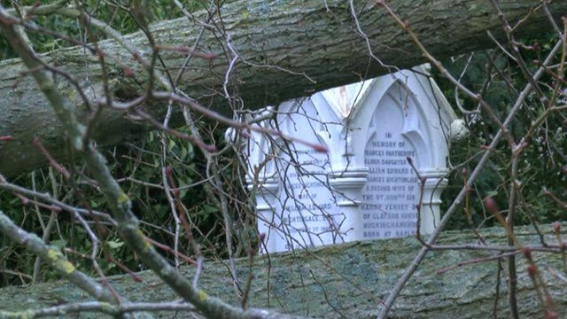 Florence Nightingale's tomb