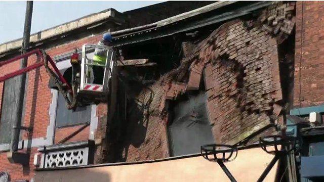Building collapses in Ashton-under-Lyne