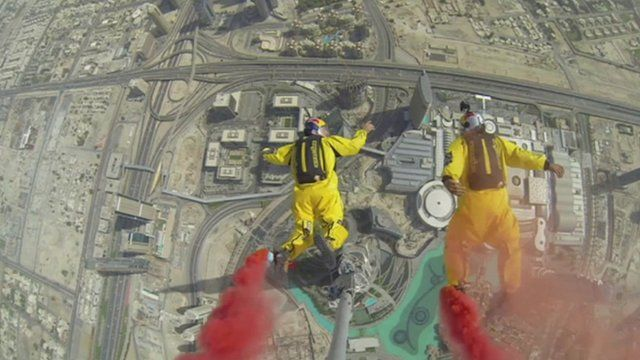 Sky divers jumping from the Burj Kahlifa.
