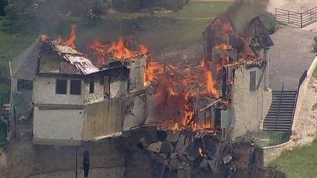 The fire destroyed the house