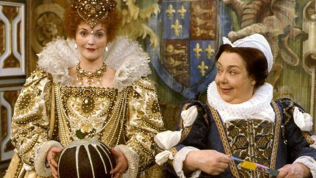 Patsy Byrne (right) playing Nursie, beside Miranda Richardson as Elizabeth I