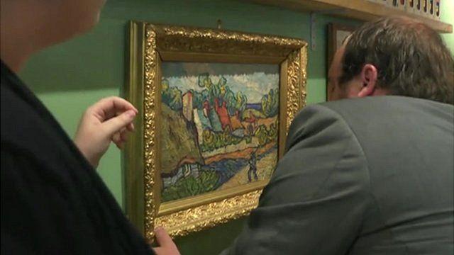 Van Gogh hanging in cafe
