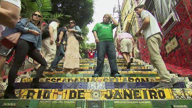 People on Escadaria Selaron steps