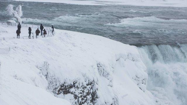 Partially frozen Niagara falls