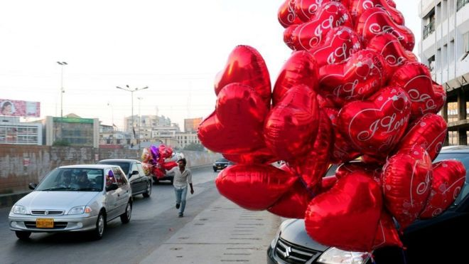 Высший суд Исламабада запретил празднование Дня святого Валентина в Пакистане