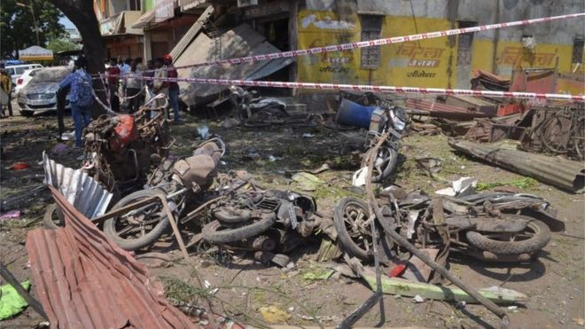 Aftermath of explosion at restaurant in India's Madhya Pradesh state, 13 September 2015