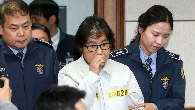 Президент Южной Кореи отвергла все обвинения вееадрес