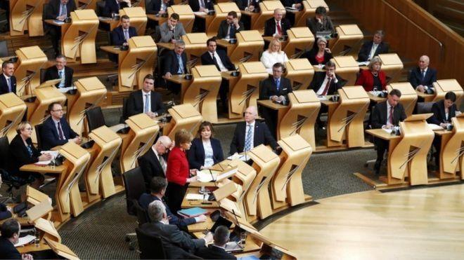 پارلمان اسکاتلند به برگزاری مجدد همهپرسی جدایی از بریتانیا رای داد