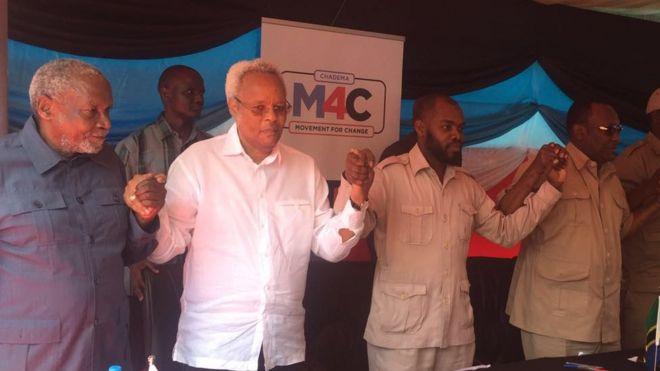 Viongozi wa upinzani wakati wa kikao na wanahabari Dar es Salaam