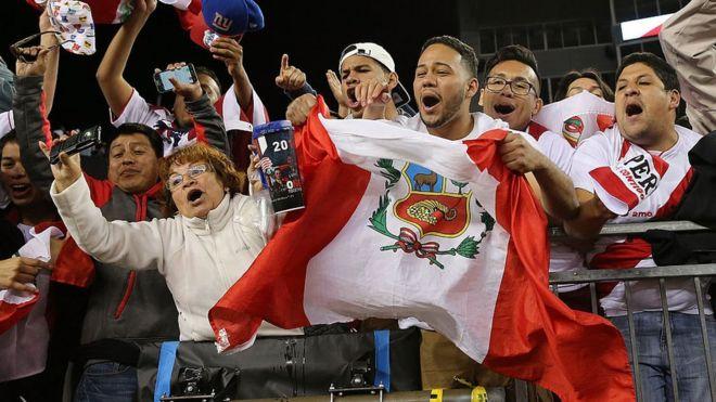 Hinchas de la selección peruana de fútbol.