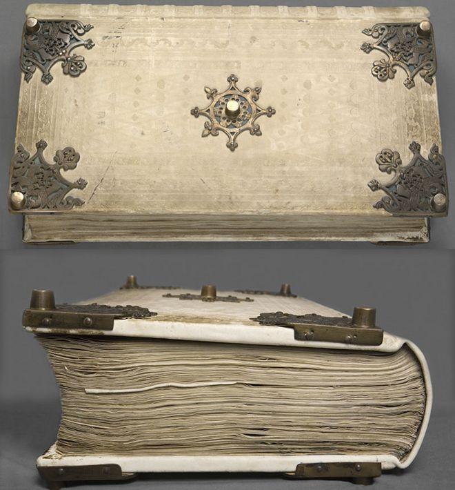 Cómo llegó la Biblia del Diablo al Gabinete de las Maravillas del excéntrico emperador Rodolfo II