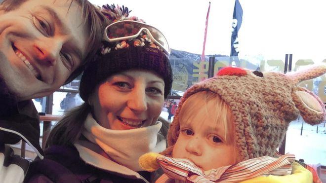 Jamie, Sally y Ella