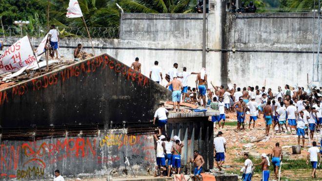 'Só liberar dinheiro não resolve a crise nas prisões do Brasil'