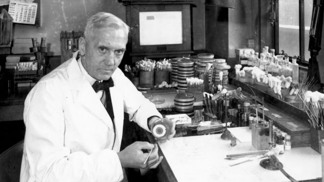 Alexander Fleming, descubridor de la penicilina.
