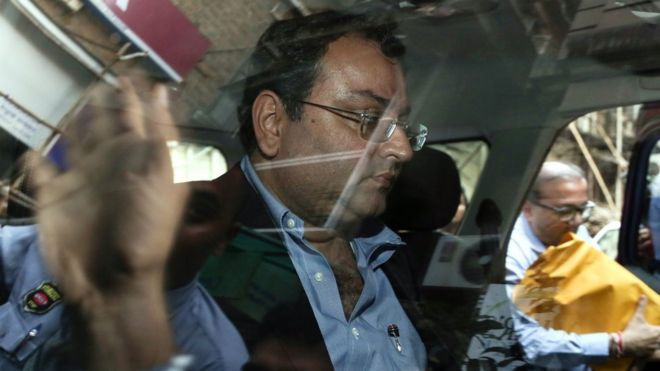 Cyrus Mistry, former chairman of Tata Sons, leaves after attending a meeting at the company's head office in Mumbai, India, 26 October 2016.