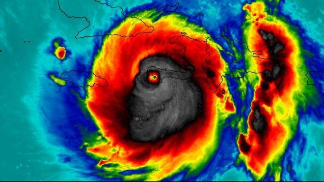 La huracán Matthew, tomado con una cámara infrarroja.