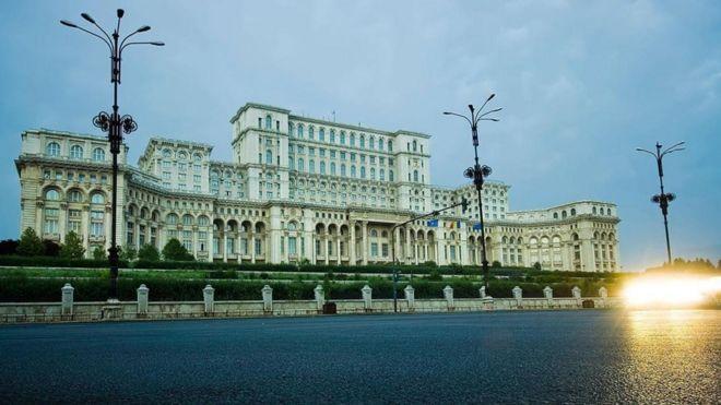 Palacio del Parlamento, Rumanía, 1984-97