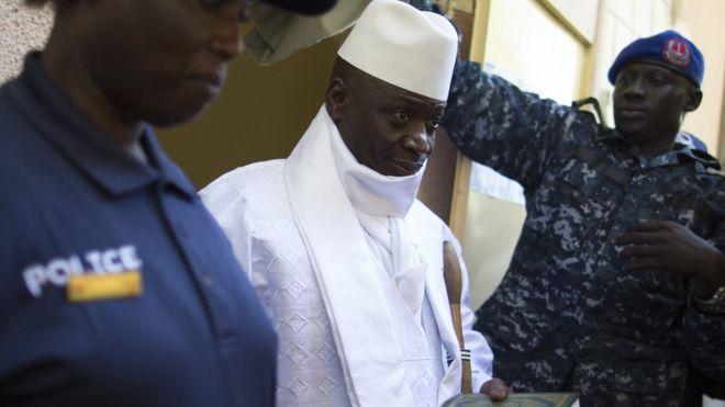 Les diplomates gambiens appellent Jammeh à reconnaître la victoire de son rival Adama Barrow.