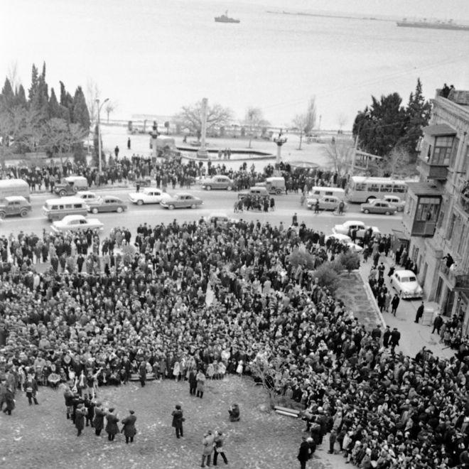 Bakı şəhərində Novruz bayramı günü xalq gəzintisi (21 mart 1968)