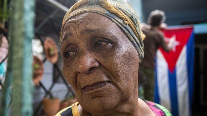 """""""Siempre será nuestro comandante"""": Cuba se despierta en su primer día sin Fidel Castro"""