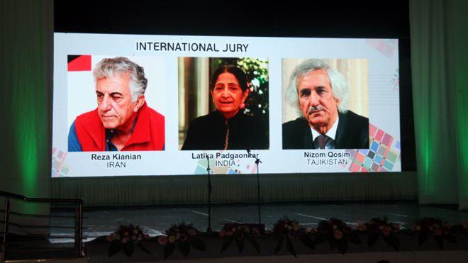 هیات داوران جشنواره دیدار؛ رضا کیانیان ( بازیگر ایرانی ) و لاتیکا پدگائونکار( منتقد فیلم هندی ) و نظام قاسم ( شاعر تاجیک )