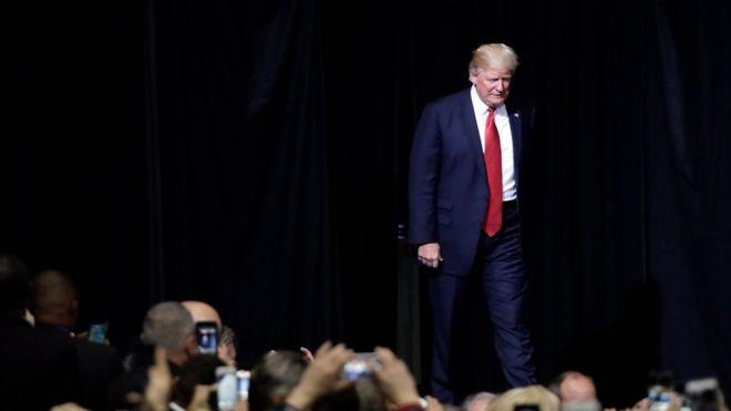 Donald Trump'ın seyahat yasağı için ikinci girişimi de yargı engeline takıldı