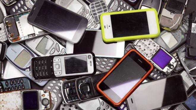 Android es el sistema operativo para teléfonos inteligentes más utilizado en el mundo. Sin embargo, la mitad de los aparatos que lo usan (más de 700 millones) están desactualizados. Así lo asegura Google en su último informe anual de seguridad, en el que