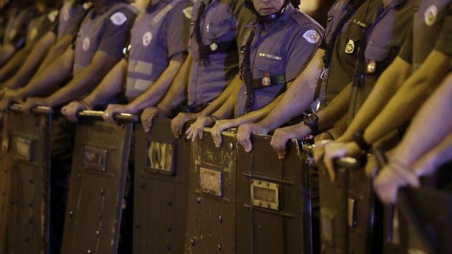 """Policiais que se dizem """"antifascistas"""" são contrários à militarização da segurança pública"""