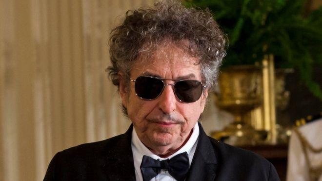 Μέλος ακαδημίας Νόμπελ: Αγενής και αλαζόνας ο Dylan