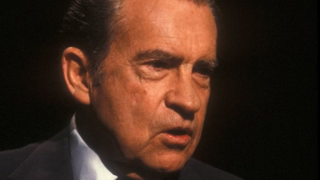 president nixons watergate scandal essay