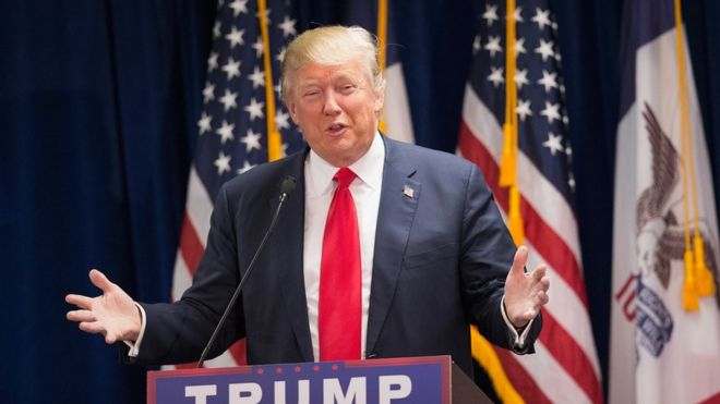 Donald Trump discura no Iowa