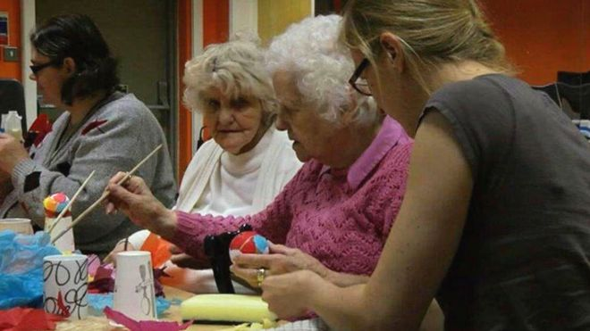 Art and craft therapy in Ogmore Vale