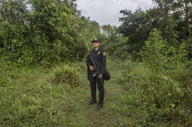 「我喜欢和坏人交手」:墨西哥边界女警的生活