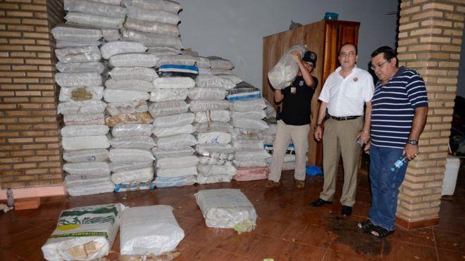 Resultado de imagem para O MISTÉRIO DAS 25 TONELADAS DE DINHEIRO VENEZUELANO ENCONTRADAS NO PARAGUAI